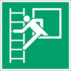 E016 : Fenêtre de secours avec échelle de secours